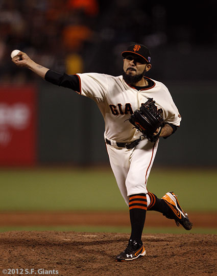 sf gaints, san francisco giants, photo, 10/21/2012, nlcs game 6, sergio romo