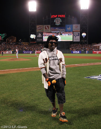 sf gaints, san francisco giants, photo, 10/21/2012, nlcs game 6, fans, Lil Wayne