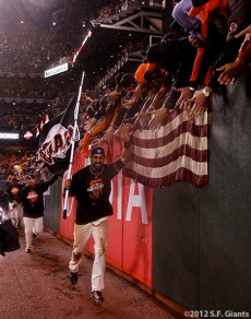 San Francisco Giants, S.F. Giants, photo, 2012, NLCS, Angel Pagan, fans