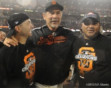 sf giants, san francisco giants, photo, 10/22/2012, nlcs game 7, clinch, marco scutaro, bruce bochy, jean machi