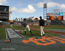 San Francisco Giants, S.F. Giants, photo, 2012, NLCS, ryan theriot, brandon crawford, ron wotus