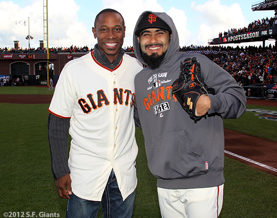 San Francisco Giants, S.F. Giants, photo, 2012, NLCS, Kenny Lofton, Sergio Romo