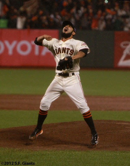 sf giants, san francisco giants, photo, 10/22/2012, nlcs game 7, clinch, sergio romo