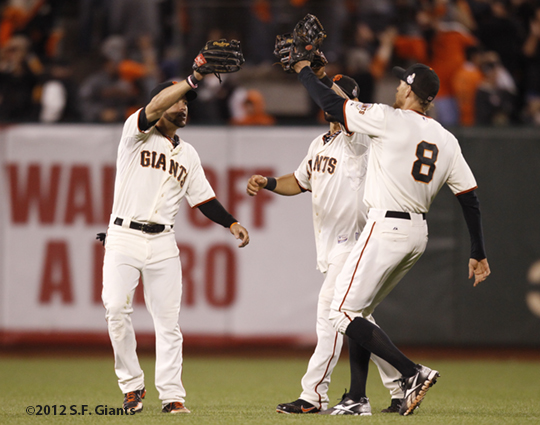 sf giants, san francisco giants, photo, 10/24/2012, world series game 1, gregor blanco, hunter pence, angel pagan