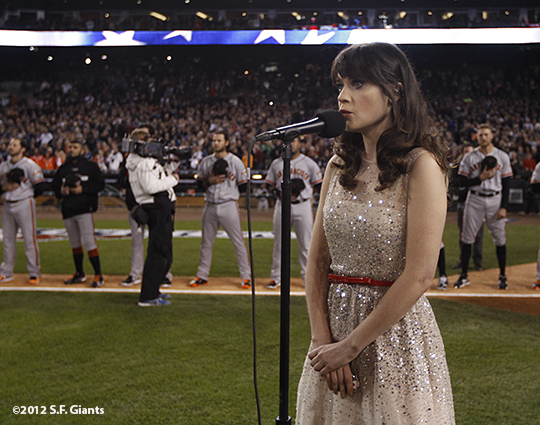 sf giants, photo, 10/27/2012, world series, game 3, zooey deschanel, team