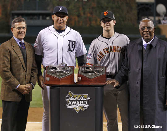 sf giants, photo, 10/27/2012, world series, game 3, tim brosnan, hank aaron, miguel cabrera, buster posey, 2012 hank aaron award