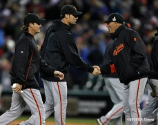 sf giants, photo, 10/27/2012, world series, game 3, ryan theriot, tim flannery, ryan vogelsong
