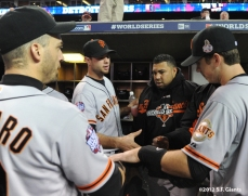 sf giants, photo, 10/27/2012, world series, game 3, marco scutaro, brandon belt, jean machi, buster posey