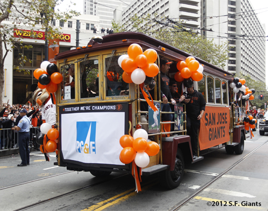 sf giants, san francisco giants, photo, 10/31/2012, parade, fans, sj giants