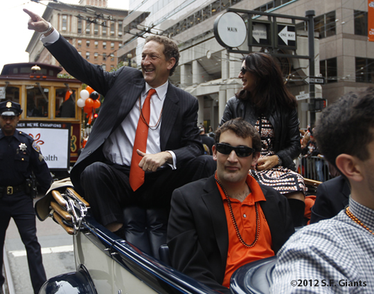 sf giants, san francisco giants, photo, 10/31/2012, parade, fans, larry baer