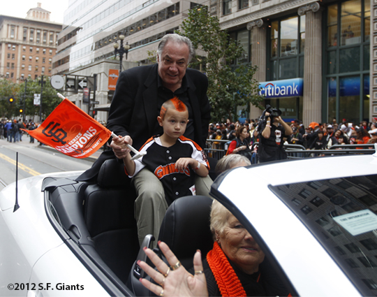 sf giants, san francisco giants, photo, 10/31/2012, parade, fans, mike murphy