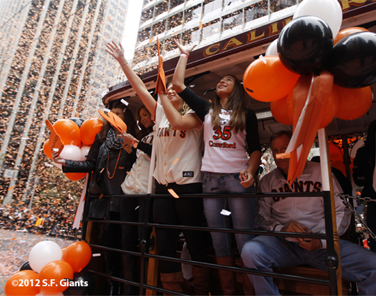 sf giants, san francisco giants, photo, 10/31/2012, parade, fans, brandon crawford