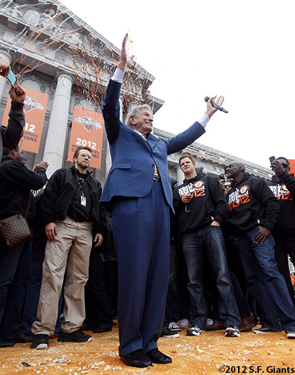 sf giants, san francisco giants, photo, parade, 10/31/2012, Tony Bennett