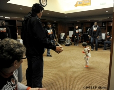 sf giants, san francisco giants, photo, 10/31/2012, parade, clubhouse