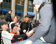 sf giants, san francisco giants, photo, parade, 10/31/2012, tim lincecum, fans
