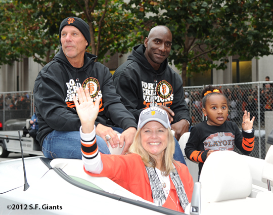 sf giants, san francisco giants, photo, parade, 10/31/2012, tim flannery, roberto kelly