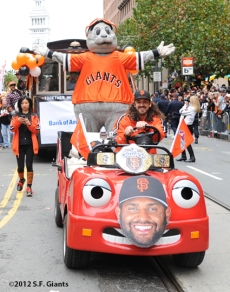 sf giants, san francisco giants, photo, 10/31/2012, parade, fans, lou seal