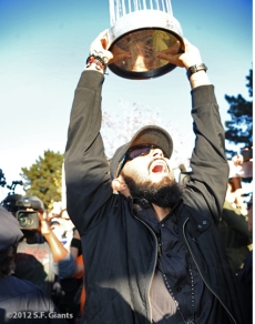 sf giants, san francisoc giants, photo, 10/29/2012, travel back to SF, fans,sergio romo