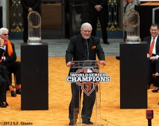 sf giants, san francisco giants, photo, parade, 10/31/2012, Brian Sabean
