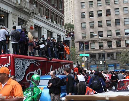 sf giants, san francisco giants, photo, 10/31/2012, fans, parade