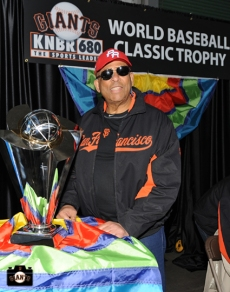 Orlando Cepeda with the WBC Trophy