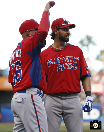 Puerto Rico Manager, Edwin Rodriguez with Center Fielder Angel Pagan
