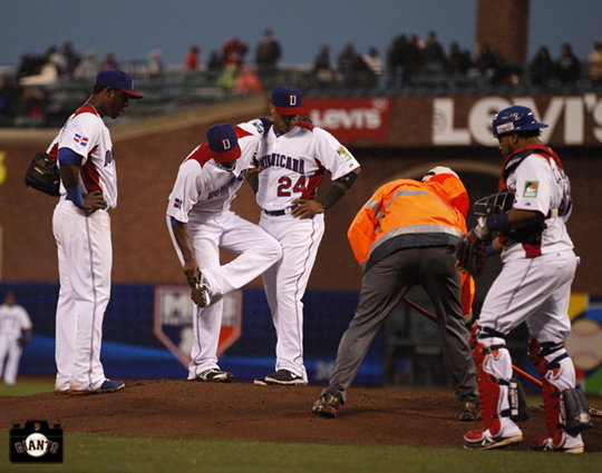 samuel deduno, sf giants, 2013 world baseball classic, dominican republic, puerto rico,