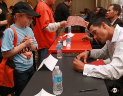 San Francisco Giants, S.F. Giants, photo, 2013, Play Ball Lunch, Jr. Giants, Javier Lopez