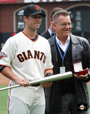 2013 sf giants, april 6, photo, buster posey award ceremony,
