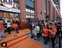 april 20, 2013, sf giants, photo, dugout store opening