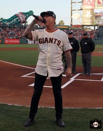 San Francisco Giants, S.F. Giants, photo, 2013, Metallica, James Hetfield