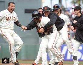 may 8, 2013, sf giants, win, walk off, photo, 10th inning, team