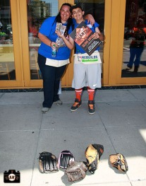 San Francisco Giants, S.F. Giants, photo, 2013, Jr. Giants, Glove Drive, Buster Posey