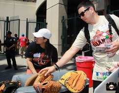 San Francisco Giants, S.F. Giants, photo, 2013, Jr. Giants, Glove Drive