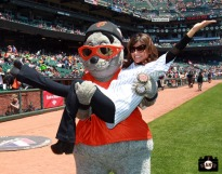 paula abdul, lou seal, 2013, sf giants, photo, june 5,