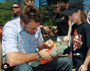San Francisco Giants, S.F. Giants, photo, 2013, Junior Giants, Jeremy Affeldt