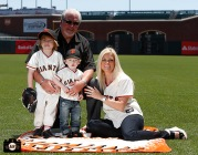 San Francisco Giants, S.F. Giants, photo, 2013, Family Day, Brian Sabean