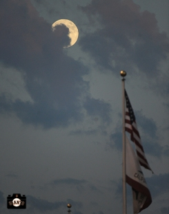 moon, us flag, august 19, 2013, sf giants, boston red sox, boston strong, photo