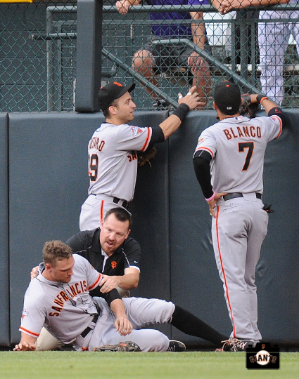 dave groeschner, gregor blanco, marco scutaro, hunter pence, ,runs into wall, colorado, coors field, colorado rockies, photo, sf giants right field