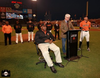 2013 willie mac award winner, september 27, 2013, sf giants, photo, hutner pence, willie mccovey