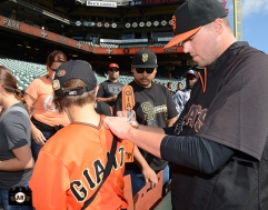 San Francisco Giants, S.F. Giants, photo, 2013, Fans, Heath Hembree