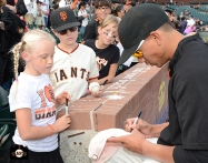 San Francisco Giants, S.F. Giants, photo, 2013, Fans, Ehire Adrianza
