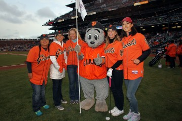 San Francisco Giants, S.F. Giants, photo, 2014, LPGA, Christina Kim Juli Inkster, Brittany Lincicome, Lou Seal, Paula Creamer, Michelle Wie
