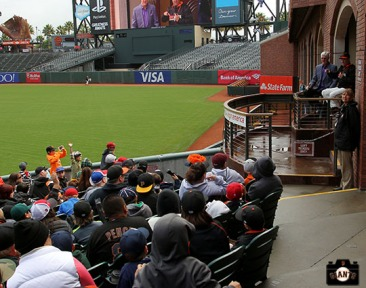 San Francisco Giants, S.F. Giants, photo, 2014, Little League Day, Will Clark