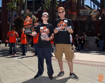 San Francisco Giants, S.F. Giants, photo, 2014, Junior Giants Glove Drive