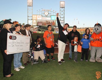 autism awareness night, may 27, 2014, sf giants, photo