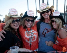 San Francisco Giants, S.F. Giants, photo, 2014, Orange Friday Happy Hour