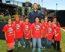 Hunter Pence and Junior Giants