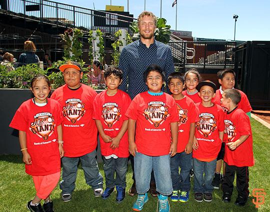 San Francisco Giants, S.F. Giants, photo, 2014, Edible Garden, Hunter Pence, Junior Giants