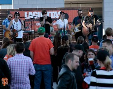 San Francisco Giants, S.F. Giants, photo, 2014, Orange Friday Happy Hour, The Mowgli's